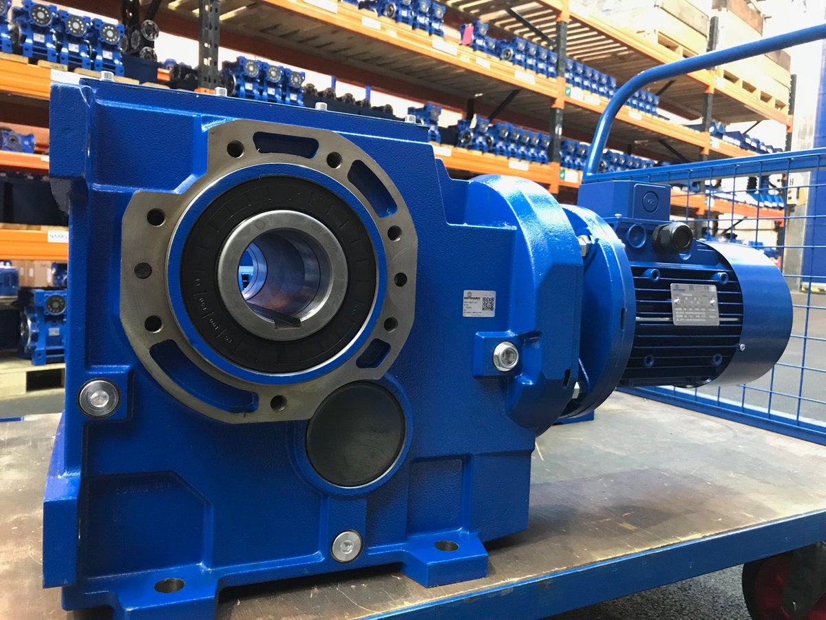 BEVEL HELICAL GEARBOX - Copy